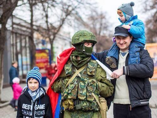Встреча российских войск на Украине) http://t.co/kD2clMRvZV