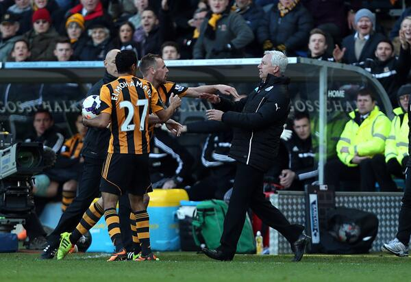 BhqFQ0vCMAMcIn1 Every angle of Newcastle boss Alan Pardew headbutting Hulls David Meyler in 12 pictures