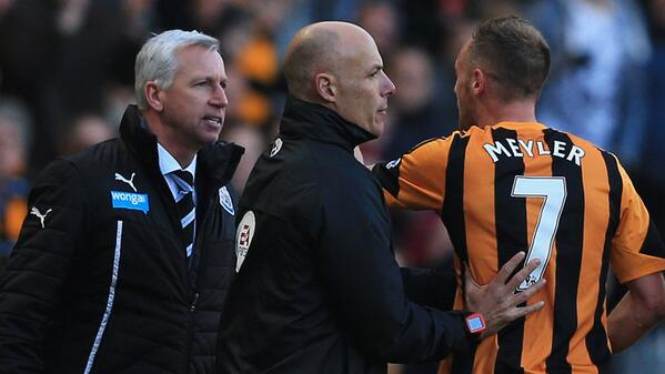 BhqI1m2CYAADPJM Every angle of Newcastle boss Alan Pardew headbutting Hulls David Meyler in 12 pictures