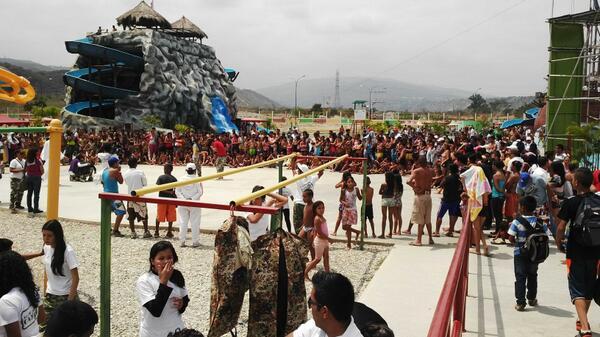 @izarradeverdad niños y jóvenes de Barquisimeto disfrutan el asueto de #CarnavalesChevere2014 en @mundodeninos http://t.co/NfR0DhOSI9