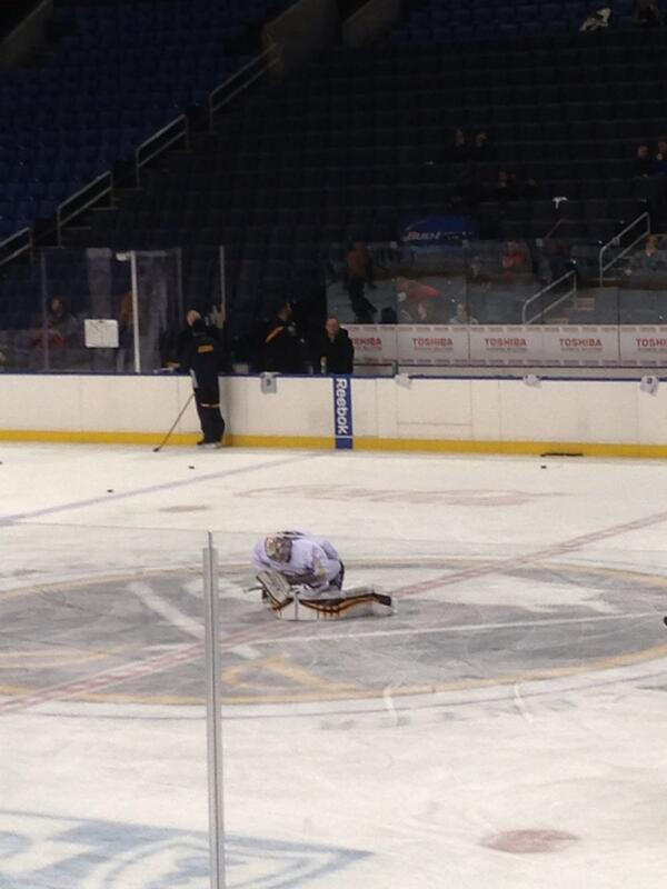 From yesterday: This was the scene as Ryan Miller was in thought just b4 leaving FNC ice for the last time. #Sabres http://t.co/DtdQwGiaRp