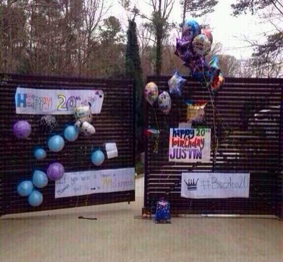 I wanna see Justin's reaction to all these balloons and