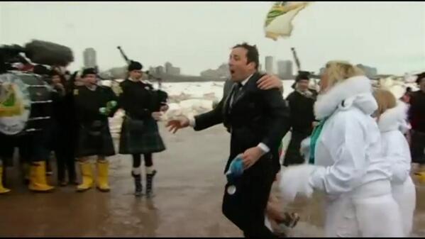 Heh. @FallonTonight looks a little chilly! #PolarPlunge http://t.co/x41HuD5gAx