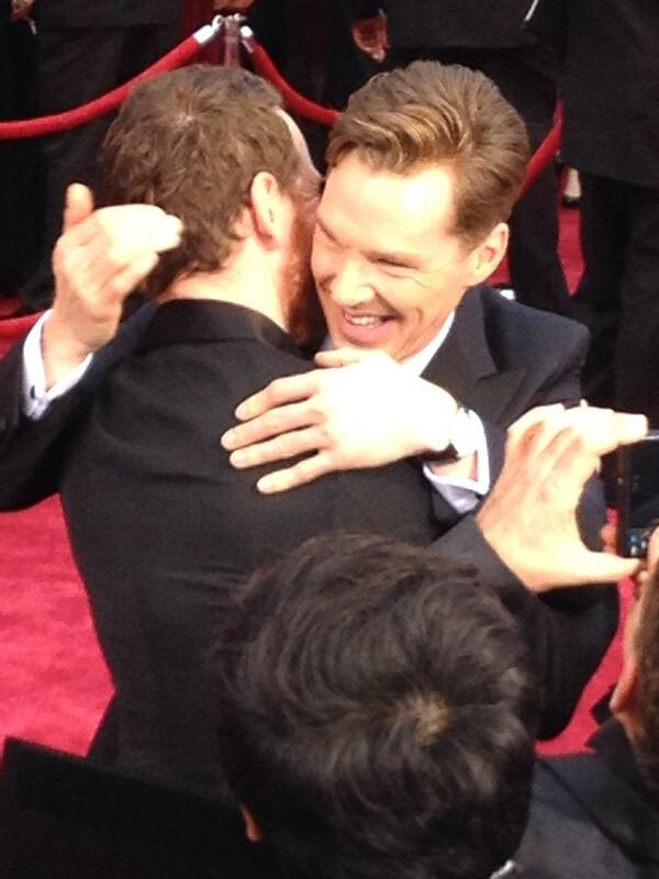 Benedict Cumberbatch and Michael Fassbender hugging it out #Oscars http://t.co/6wogsjhjCH
