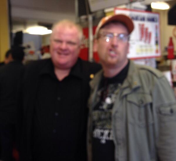 So this just happened on Hollywood Blvd. Reckon my facial expression nicely sums up the experience. #MayorRobFord http://t.co/kX2Xr62Ipm