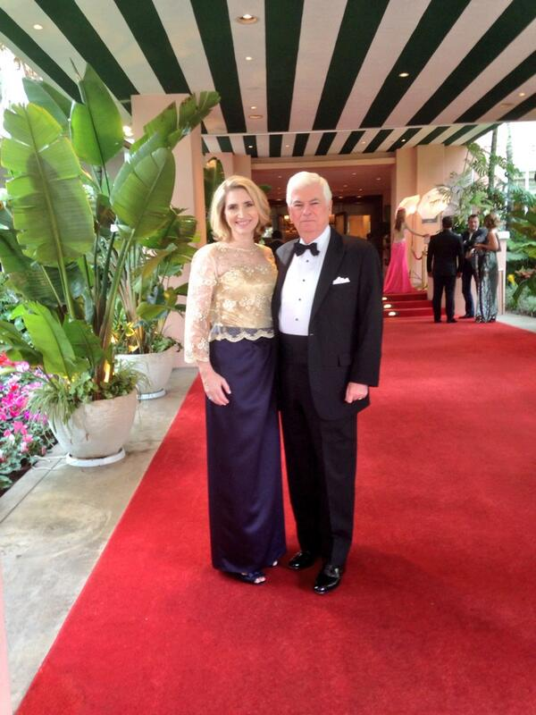 Very excited to be attending tonight's @theacademy awards with my beautiful wife Jackie. #Oscars (1/2) http://t.co/byEd1PvWSp