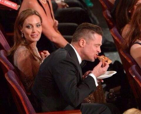 Because sometimes, you just want pizza #oscars2014 http://t.co/7ucrLCSNB7