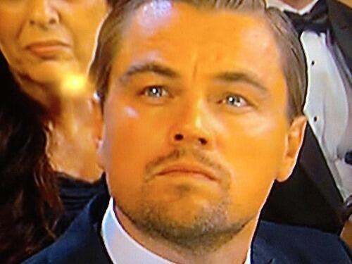 ДиКаприо в момент объявления лучшего актёра. Вы видите то же, что и мы? Наворачивающуюся слезу? #Оскар http://t.co/W1c1zUuDpH