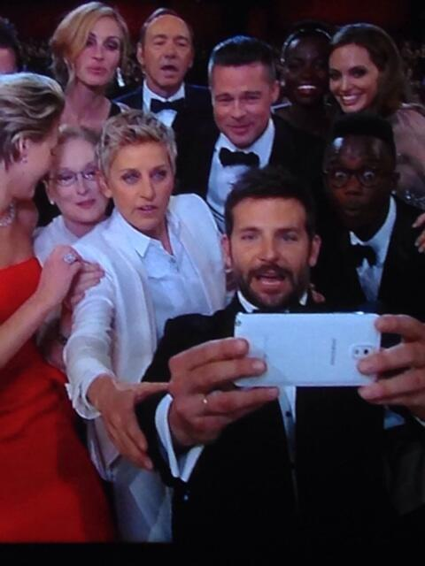 Gotta admit that was a pretty good photo and I retweeted it! #oscars http://t.co/sSitrwULQf