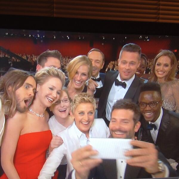 Jared Leto's face is perfection in Ellen DeGeneres's group selfie pic. #oscars http://t.co/G0uyflWToa