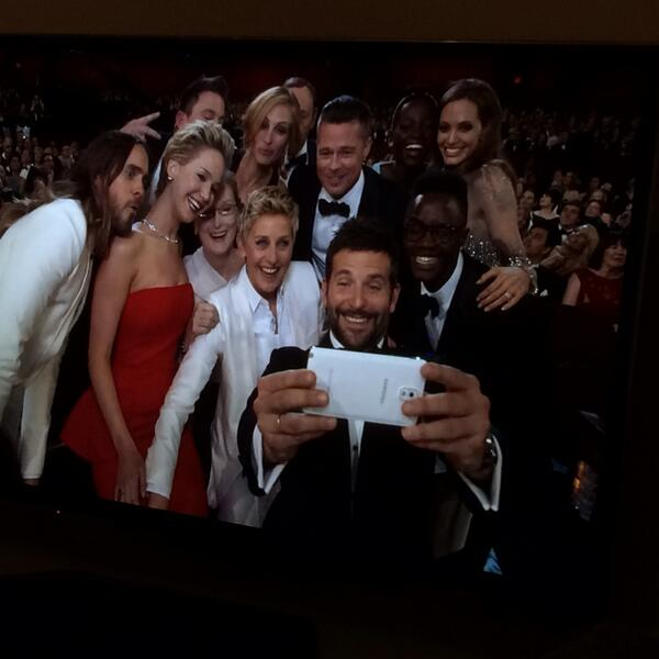 Hey everybody, retweet this more! #Oscar2014 #deperateforattention http://t.co/jGTjovEp57