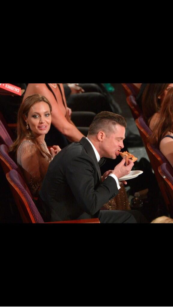 Poor Angie looking for her piece of pizza... God bless. http://t.co/3X5pWLtJOq