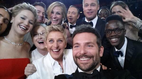 #Oscars #Breaking:  This selfie from @TheEllenShow now retweeted 1 MILLION times and counting! http://t.co/svCJXbeMkG