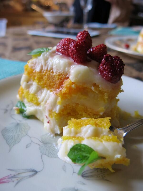 Lemon Tiramisù w. woodland strawberries. Made on one of my cooking classes, photo by Sara Gipton. http://t.co/pI0qnbY2ej