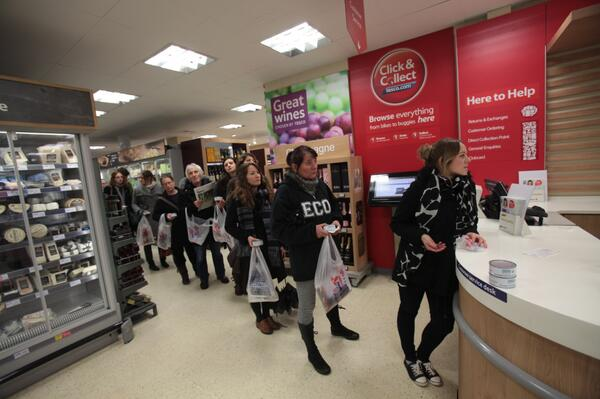 :) RT @GreenpeaceUK: Have you seen this? Word is getting out. A line out @Tesco's door as people return O&P tuna http://t.co/GKJQls8ZWu
