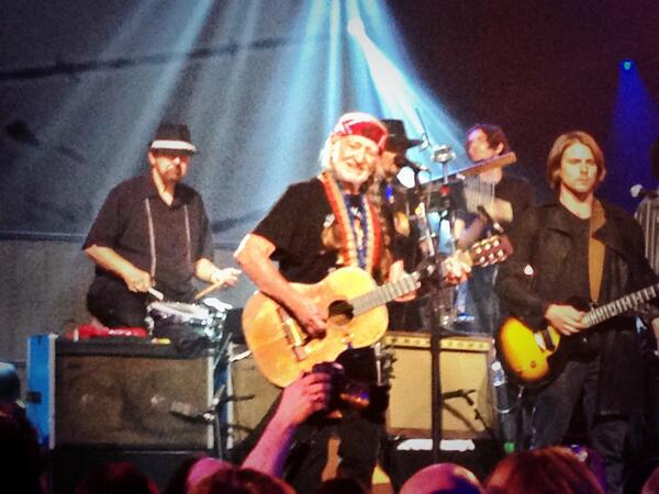 God once asked #WillieNelson if he could be him when he grows up. #RumourStarter #SXSW http://t.co/P6y7l02ZvQ