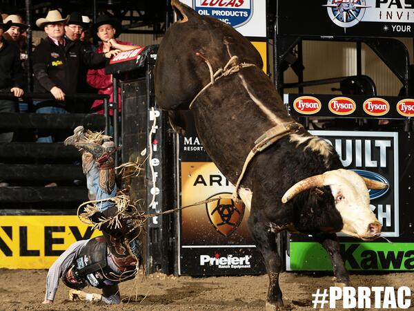 RT if you are watching championship Sunday from #PBRTAC RIGHT NOW on @CBSSportsNet! http://t.co/JnuA2UoyJ9