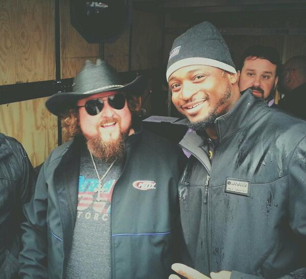 Rain delay @BMSupdates with @coltford! Check it out @HollyS42 http://t.co/gWyOK3nSLL