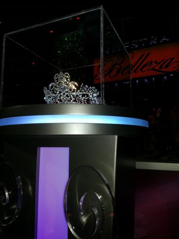 #teamdenise ayuden a mis chicas a alcanzar la corona con sus votos y su apoyo!! #nbl @NuestraBelleza http://t.co/PglQ5CbWNE