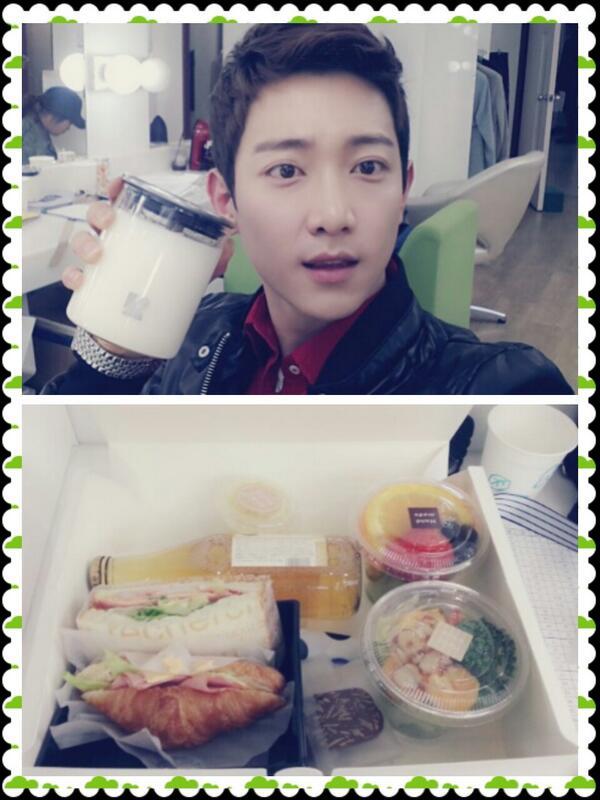 '열애' 마지막 쎄트..성훈이형 팬들이 주신 향초와 맛있는 간식거리!! http://t.co/wNdi2cwpO9