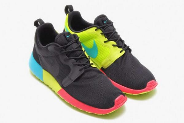 """Add something colorful into your rotation.  Nike Roshe Run Hyperfuse """"Monochromatic"""" Pack. http://t.co/4xoA8ylXzS http://t.co/6VNqvxcwiB"""