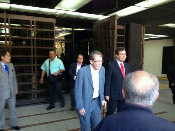 Teodoro Petkoff solicita a FGR investigación contra Diosdado Cabello #17M 11:00am - vía @Angelicalugob http://t.co/j5WiuBuj99