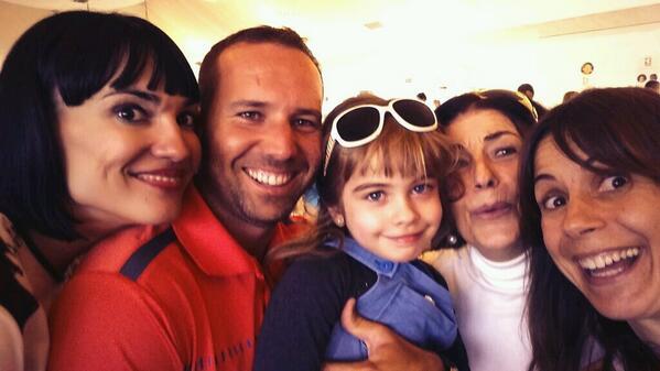 Maria Arellano (@MapilinMaria): Selfie con Irene Villa,Sergio Garcia,Mafalda,mi madre,servidora en lfiesta por enfermos del síndrome de West@fswest http://t.co/NPGhVZlZ98