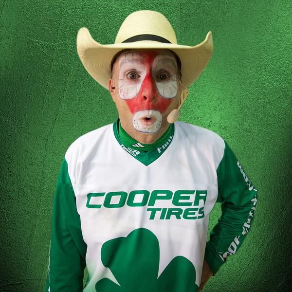 Happy St. Patrick's Day from @Flintrass and the rest of the PBR! http://t.co/sd1Lqven58