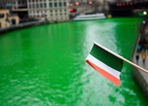The Chicago River is running green today. Happy St. Patrick's Day! http://t.co/6KYBP9cNru