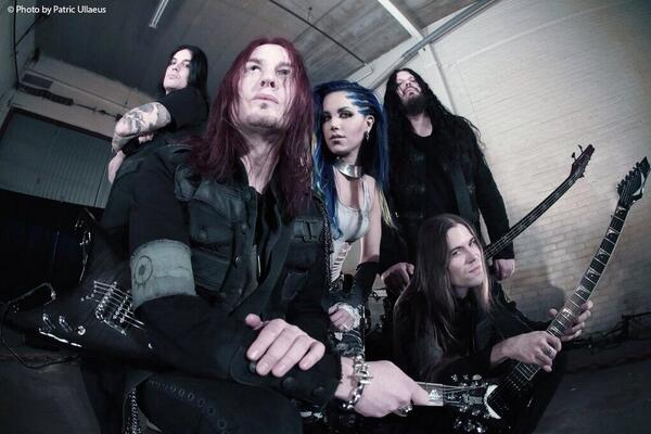 Breaking News: #ArchEnemy announces new vocalist! Please welcome Alissa White-Gluz! RT @archenemymetal http://t.co/e6hbPKRZh4