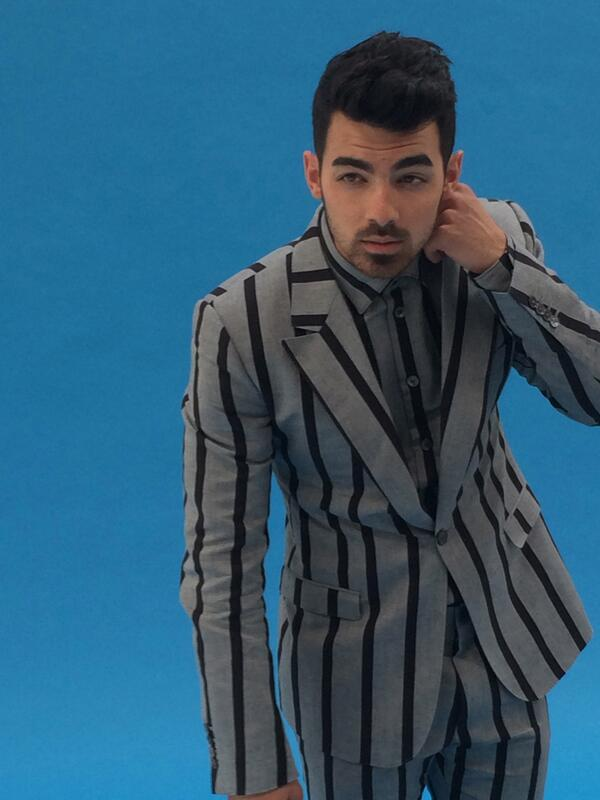 One more sneak peek of @joejonas, photographed by @EastonSchirra/styled by @AvoYermagyan for @scenemag's April issue http://t.co/U9BrsHoUpw