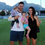 The Smith family looks ready for life after Test cricket. @ajarrodkimber on the boy-giant: http://t.co/ynO5webF7N