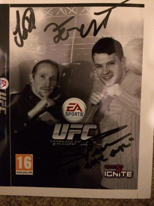 @ufcfightclub Great event today! Got my cover signed by @ForrestGriffin , @RossTheRealDeal and @badmofo_jojo :-D http://t.co/Bp1HQyX4mt