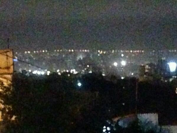 """""""@omarvasquezl: En este momento le quitaron la luz a Chacao y bombardeo de lacrimógenas. #SOSVenezuela http://t.co/L6pjsq6OiE"""" @ONU_derechos"""