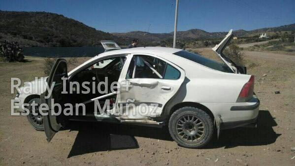 Uh oh, Robert Kubica is sporting a bit of damage in Mexico already. Poor Volvo recce car... http://t.co/MsSKnlMoky