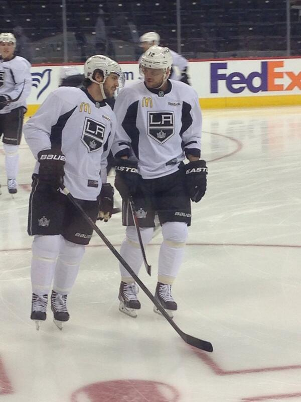 @LAKings #10 chatting with the new #12 at morning skate in WPG! http://t.co/KPV5JBgxC1