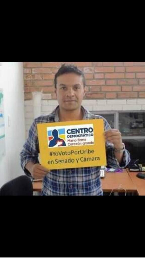 Desautorizo la utilización de mi imagen por el Centro Democrático, sino la retiran demando.  @MJDuzan @LAAZCARATE http://t.co/RfK1IYTasf