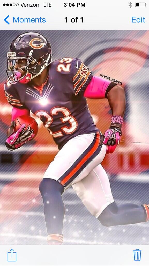 Man I just YouTube me and 2007-2008 Devin Hester Highlight and almost cry I can't believe the Bears not re-signing me http://t.co/1mkOJRddGN