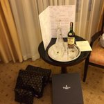 Unbelievable touch by @theshelbourne for my last weekend staying here with the team. Huge thanks. http://t.co/JTa38QIOvA