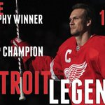 Nicklas Lidstrom gets his No. 5 sweater retired tonight in Detroit. Congrats to an all-time great defenseman. http://t.co/lZaOV4cws1