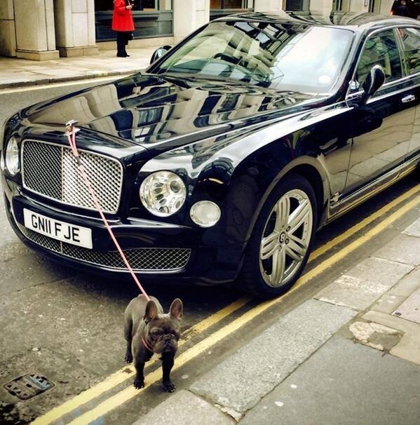 Vous vous demandiez à quoi servait le B ailé des Bentley ? Voici une réponse : http://t.co/UlqJQGKJ8m (via @JBarclayBentley @PaulGarlick)