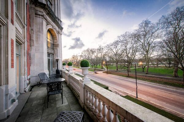 #MOviews RT @MO_LONDON: The ever changing view over Hyde Park. Never the same, always spectacular http://t.co/VyGFE5NAq3