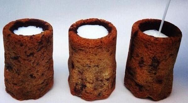 Cookies good. Milk good. These AMAZING. Choc Chip Cookie Milk Shots http://t.co/rdkW4VX1s8   Ta, @SickChirpse http://t.co/i3tvAhRJom