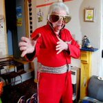 Pensioner dressed as Elvis beats Liberal Democrats into last place in a Nottingham by-election http://t.co/VXt1fnqkdG http://t.co/7gZAdglpkW