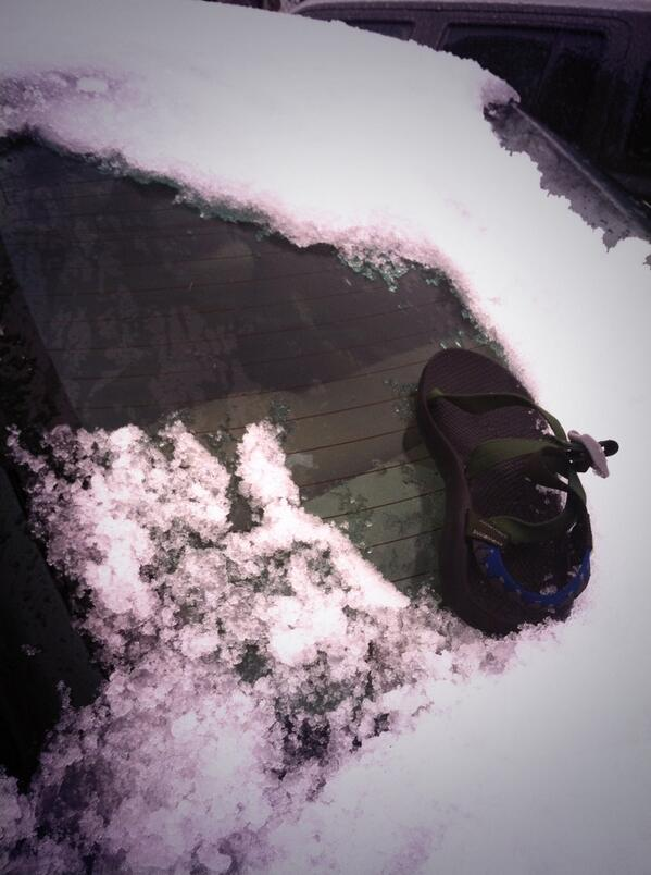 You know it's college spring break in North Carolina when you scape the windshield with your @chacousa  #springbreak http://t.co/krzx5Rj8hM