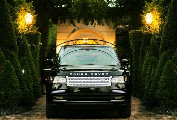 What's in your driveway? #RangeRover http://t.co/PvasjL6HOz
