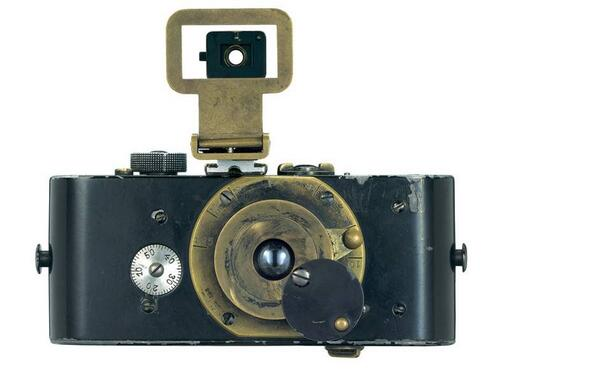 100 years ago this March the first 35mm camera was created, revolutionizing photography: http://t.co/J0cAvfljst http://t.co/fDE0Ij6ieK
