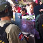 Riot police standoff with marchers in Phnom Penh demanding the release of 21 protesters detained on Jan 2 & 3 http://t.co/EFdB1JCBf9