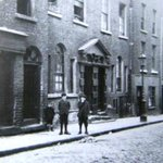 Dublin History ~ Ship Street early 1900s #Dublin http://t.co/DqcFLBOSaE
