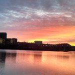 RT @dcheatherc: Such a great sunset over #Rosslyn @RosslynVA @AdamTuss @ARLnowDOTcom http://t.co/cwFiq02lRi